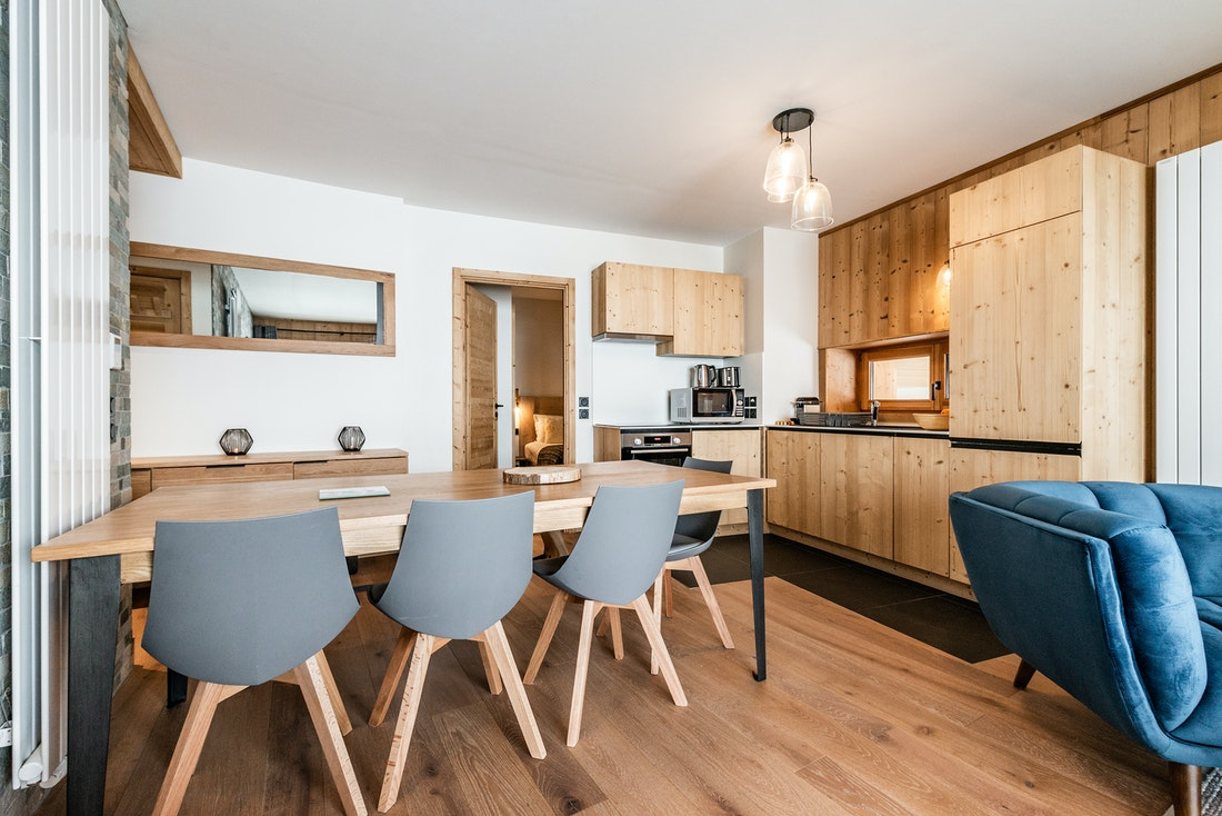 Contemporary dining room kitchen luxury ski in ski out apartment Sorbus Alpe d'Huez