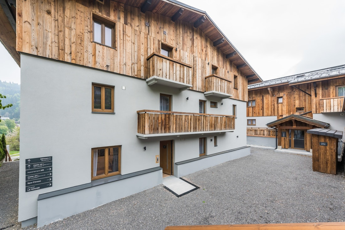 Main entrance of Meranti accommodation in Morzine