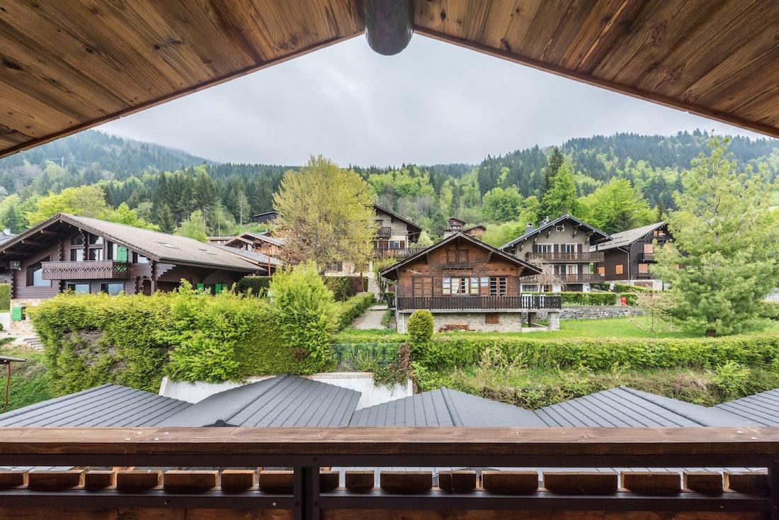 Alps mountain view terrace family apartment Takian Morzine