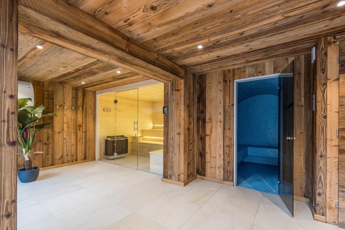 Wellness area spa entrance ski apartment Ayan Morzine