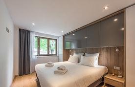 Luxury double ensuite bedroom family apartment Ipê Morzine