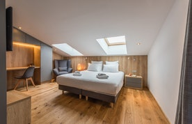 Luxury double ensuite bedroom alps apartment Takian Morzine