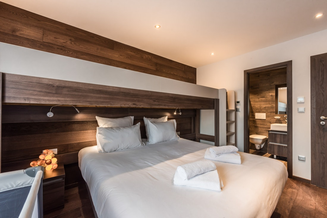 Double bedroom en-suite with a mezzanine at Catalpa accommodation in Morzine