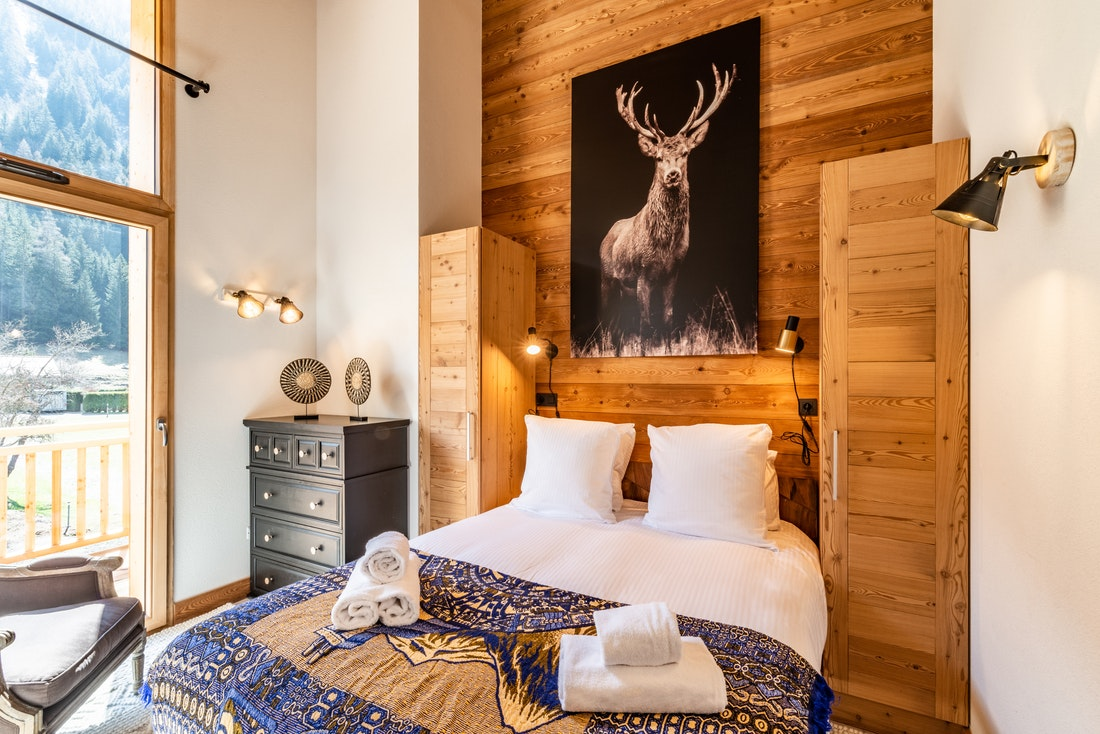 Double bedroom at Sapelli accommodation in Chamonix