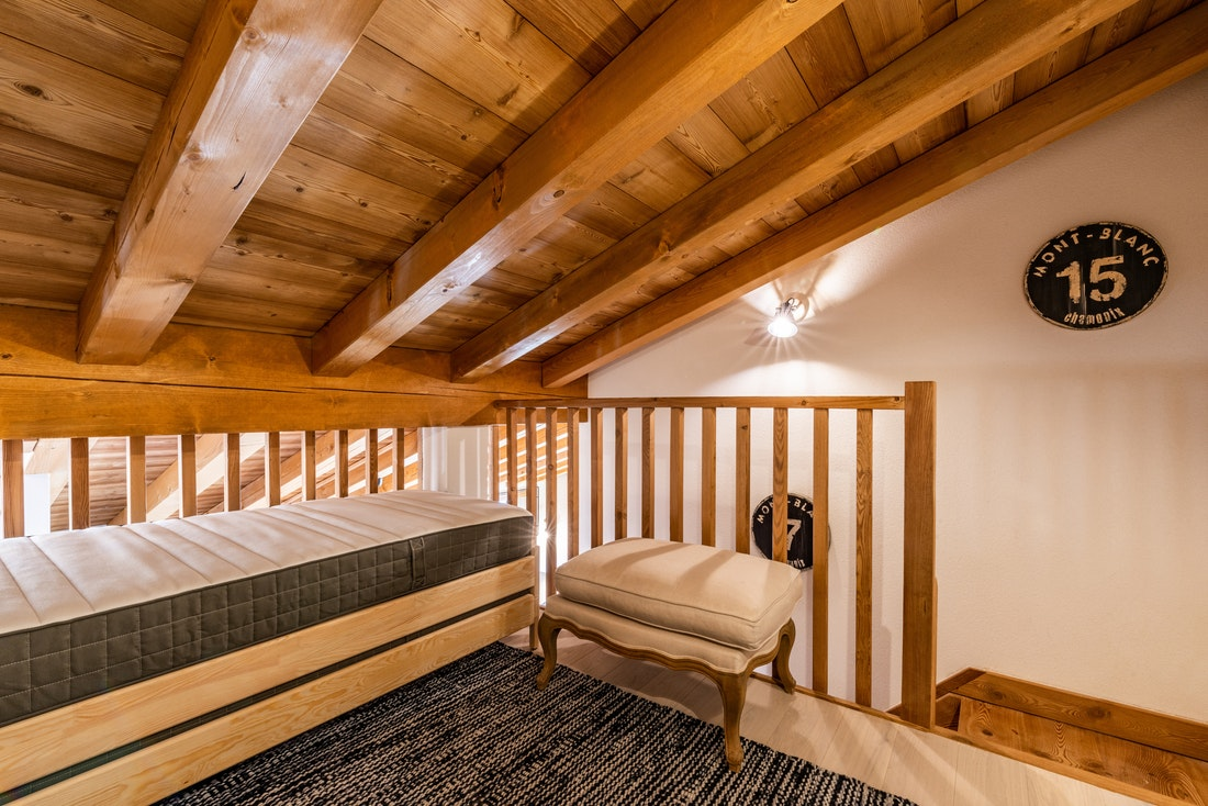Kids' bedroom with truckle beds at Sapelli accommodation in Chamonix
