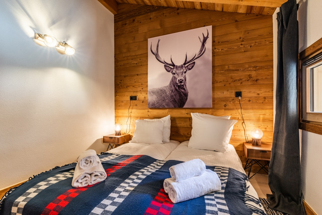 Cosy double bedroom at Sapelli accommodation in Chamonix