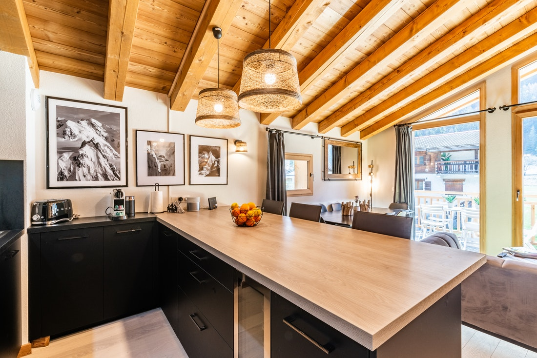 Wooden kitchen isle Sapelli accommodation in Chamonix