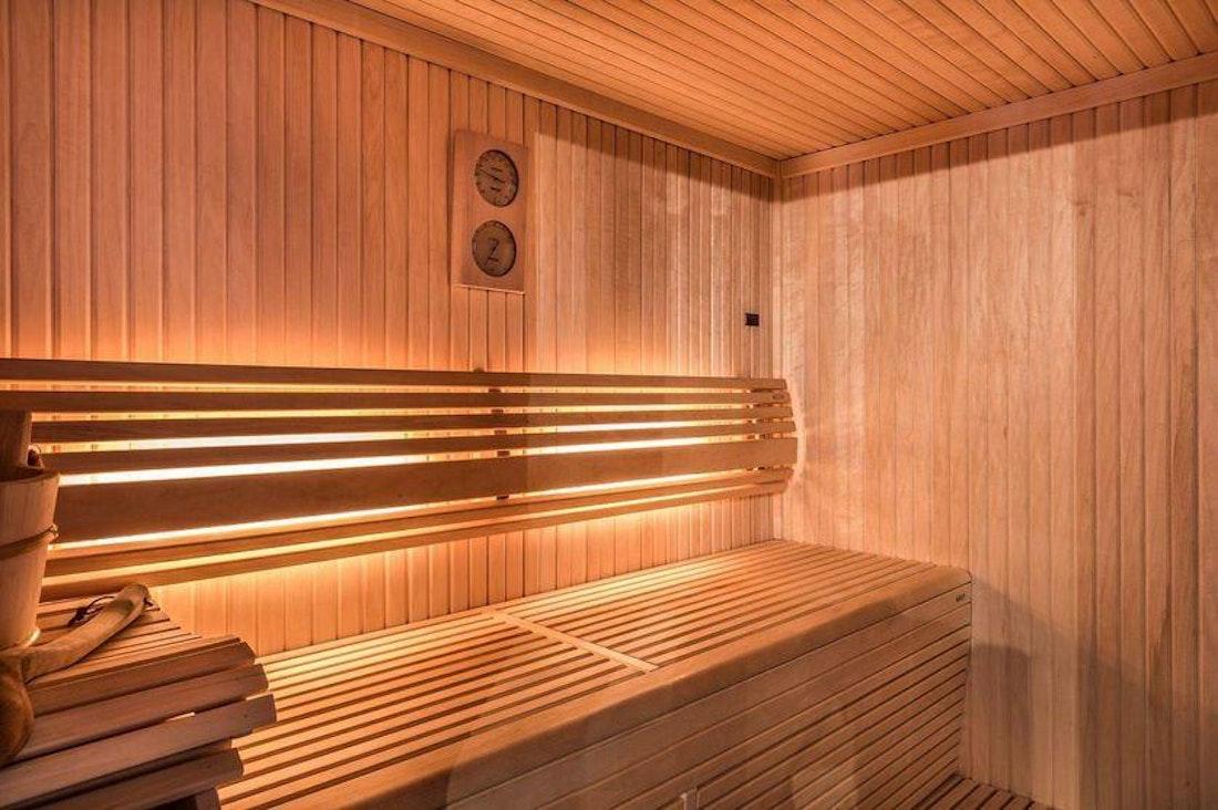 Private sauna hot stones family apartment Tiama Courchevel 1850