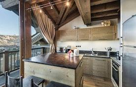 Comtemporary kitchen luxury family apartment Tiama Courchevel 1850