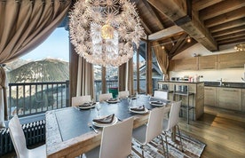 Beautiful open plan dining room family apartment Tiama Courchevel 1850